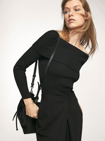 RIBBED SWEATER WITH A BOATNECK DETAIL