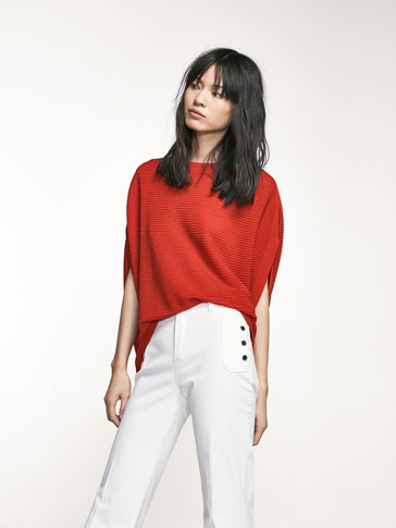 CAPE-STYLE SWEATER WITH CROSSOVER BACK DETAIL