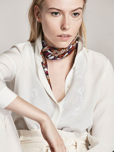 CHECKED SILK FOULARD WITH A FLORAL PRINT