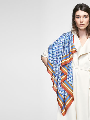 SILK FOULARD WITH CONTRASTING BORDER DESIGN