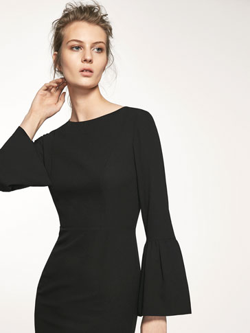 DRESS WITH SLEEVE FRILL