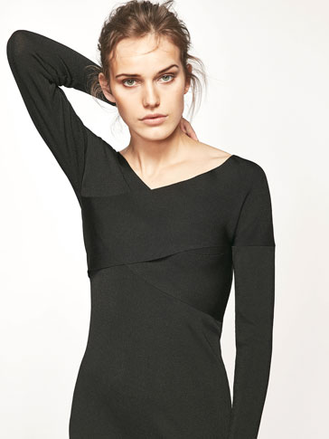 KNIT DRESS WITH CROSSOVER DETAIL