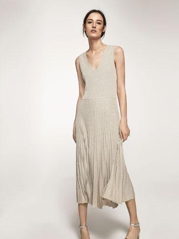 فستان محاك بتفصيل ثنية الحافة والغرزة المطاطة بليسيه