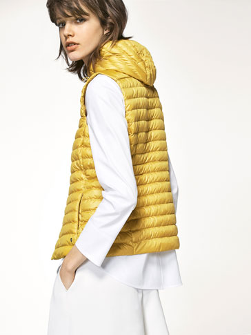 PISTACHIO-COLOURED PADDED GILET
