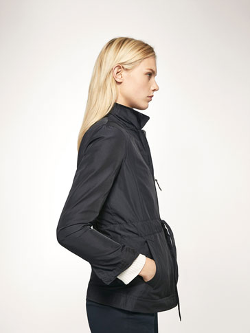 NAVY BLUE PARKA WITH DETACHABLE INTERIOR DETAIL