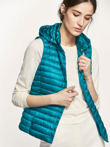 DOWN PUFFER GILET WITH BAG DETAIL