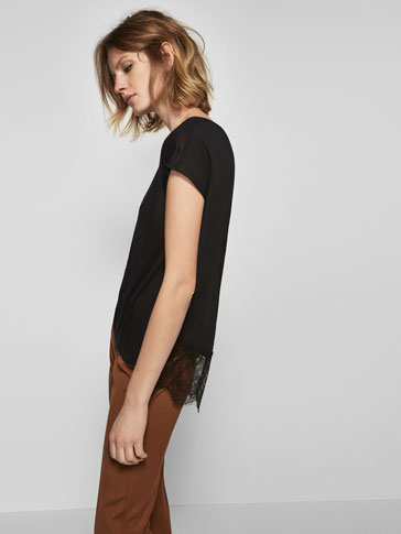 LACE TRIM AND PLEATED DETAIL T-SHIRT