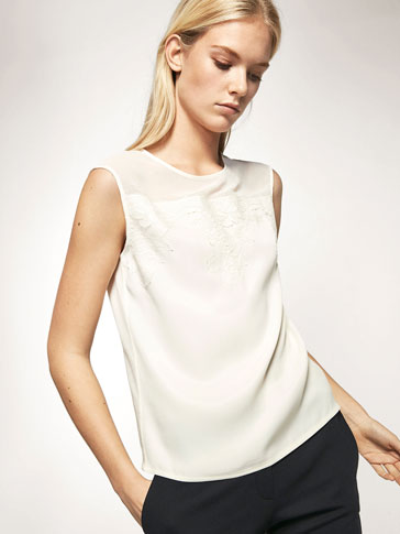 CONTRAST T-SHIRT WITH BLOND LACE DETAIL