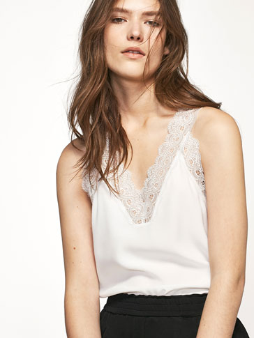 TOP WITH LACE TRIM DETAIL