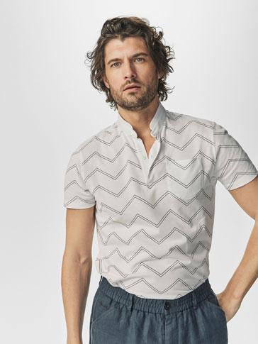قميص بولو مطبوع زيك زاك