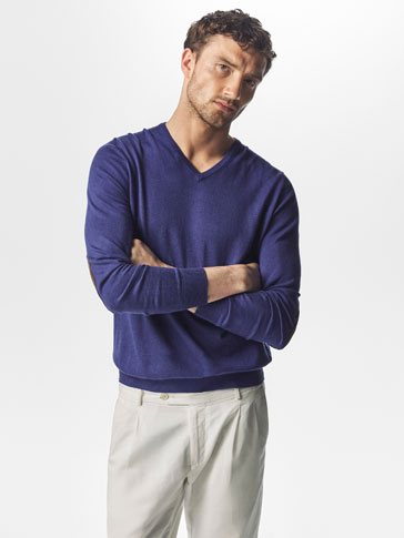 JERSEY V-NECK REVERSE HALF MOON LEATHER ELBOW PATCH