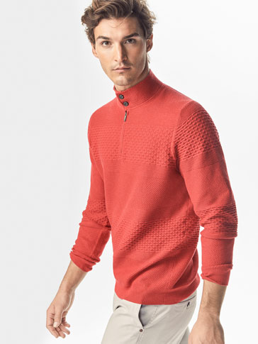SWEATER WITH TEXTURED WEAVE