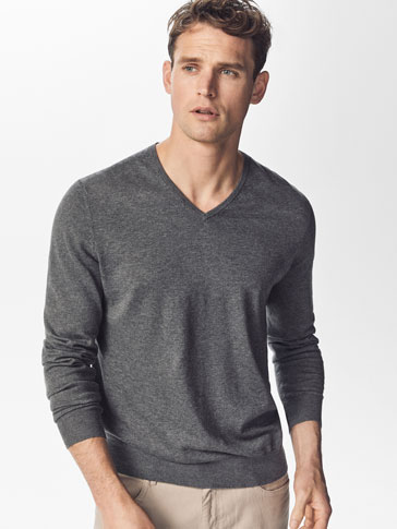 JERSEY V-NECK QUILTED HALF MOON