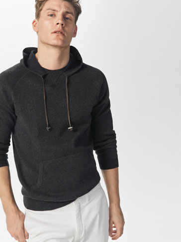 SWEATER WITH CONTRASTING INNER