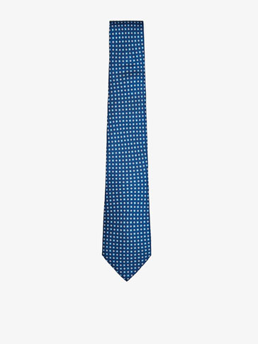 SILK TIE WITH A PATTERN