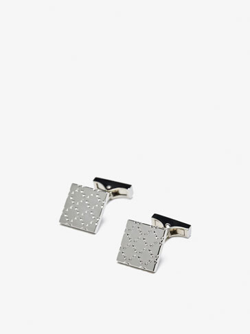 CUFFLINKS WITH EMBOSSED TILE DETAIL