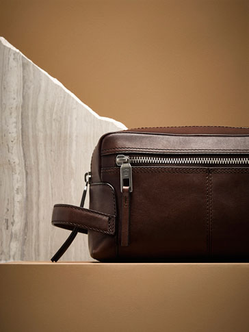 LEATHER BURTON TOILETRY BAG