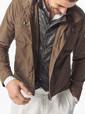 TECHNICAL JACKET WITH DETACHABLE DETAIL