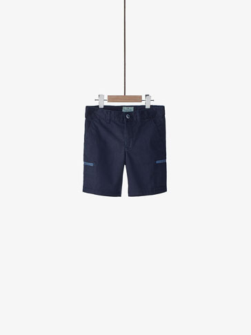CARGO BERMUDA SHORTS WITH CONTRASTING DETAILS