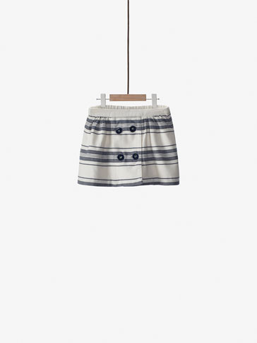 STRIPED SKIRT WITH DOUBLE BUTTON CLOSURE