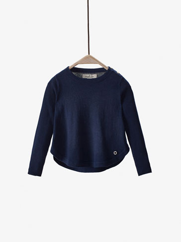 KAPPE-SWEATER MED KNAPPER