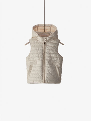 PADDED GILET WITH MICRO POLKA DOT STRUCTURED DETAIL