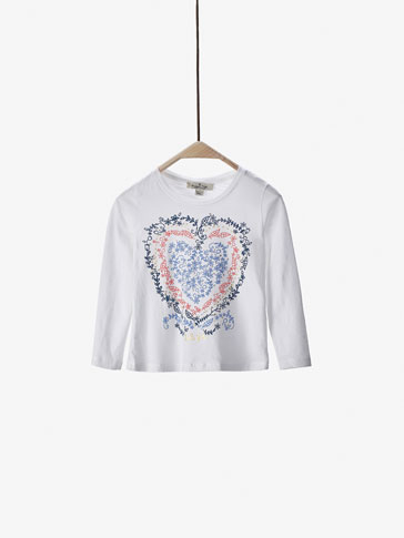 T-SHIRT WITH HEART DETAIL