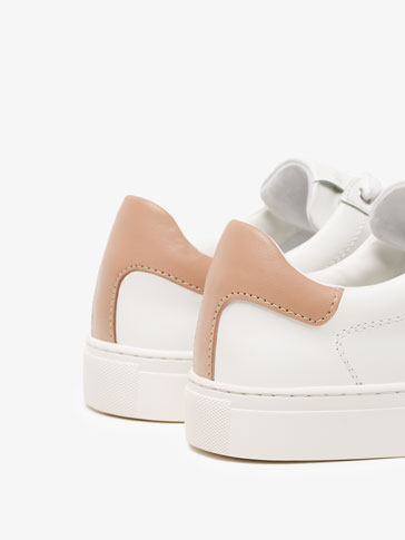 NUDE AND WHITE PLIMSOLLS