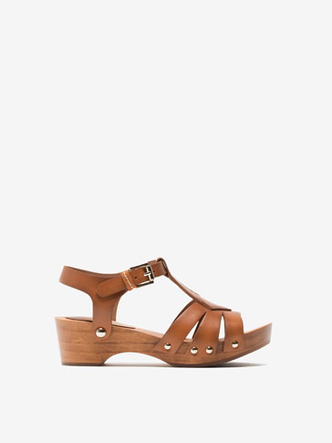 WOOD AND LEATHER SANDALS