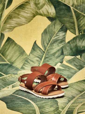 WHITE SOLE LEATHER SANDALS