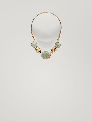 NECKLACE WITH TURQUOISE ROSETTE DETAILS