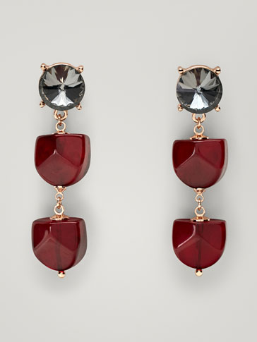 EARRINGS WITH RED PIECES