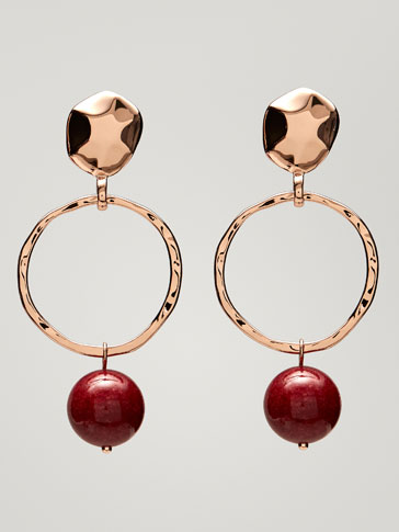 EARRINGS WITH HOOP AND SPHERE DETAILS
