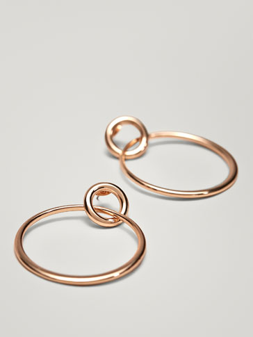 EARRINGS WITH DOUBLE HOOP DETAIL