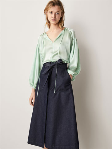 OVERSIZED SILK BLOUSE WITH TIED DETAIL