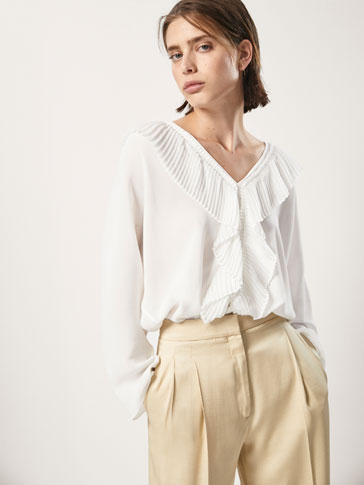 BLOUSE WITH PLEATED FRILL