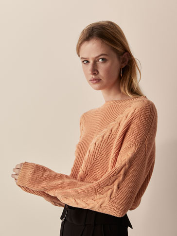 EMBELLISHED CABLE-KNIT SWEATER