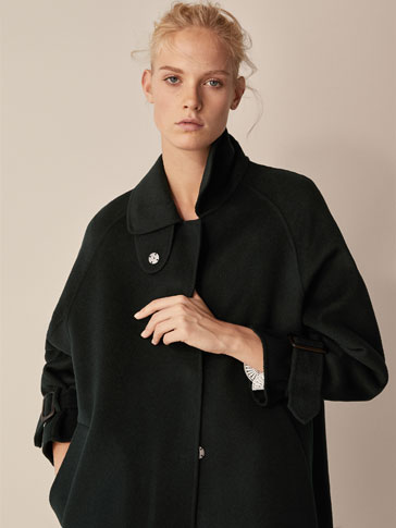 WOOL COAT WITH BUCKLE DETAIL