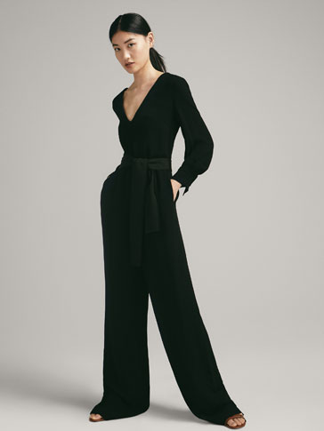 BLACK JUMPSUIT WITH BELT DETAIL