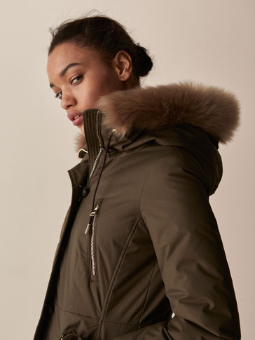 DOWN PARKA WITH DETACHABLE DETAIL
