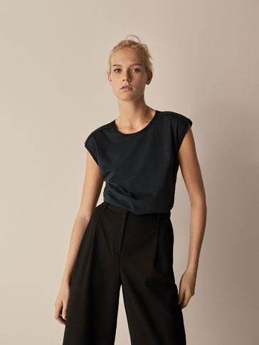 T-SHIRT WITH CONTRASTING SHIMMER DETAIL