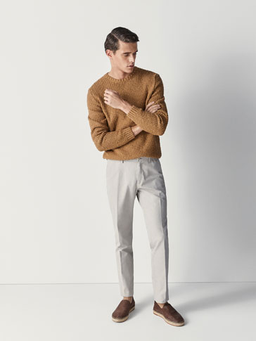 CASUAL FIT OXFORD CHINOS