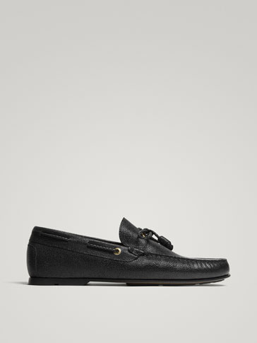 BLACK LEATHER EMBOSSED LOAFERS