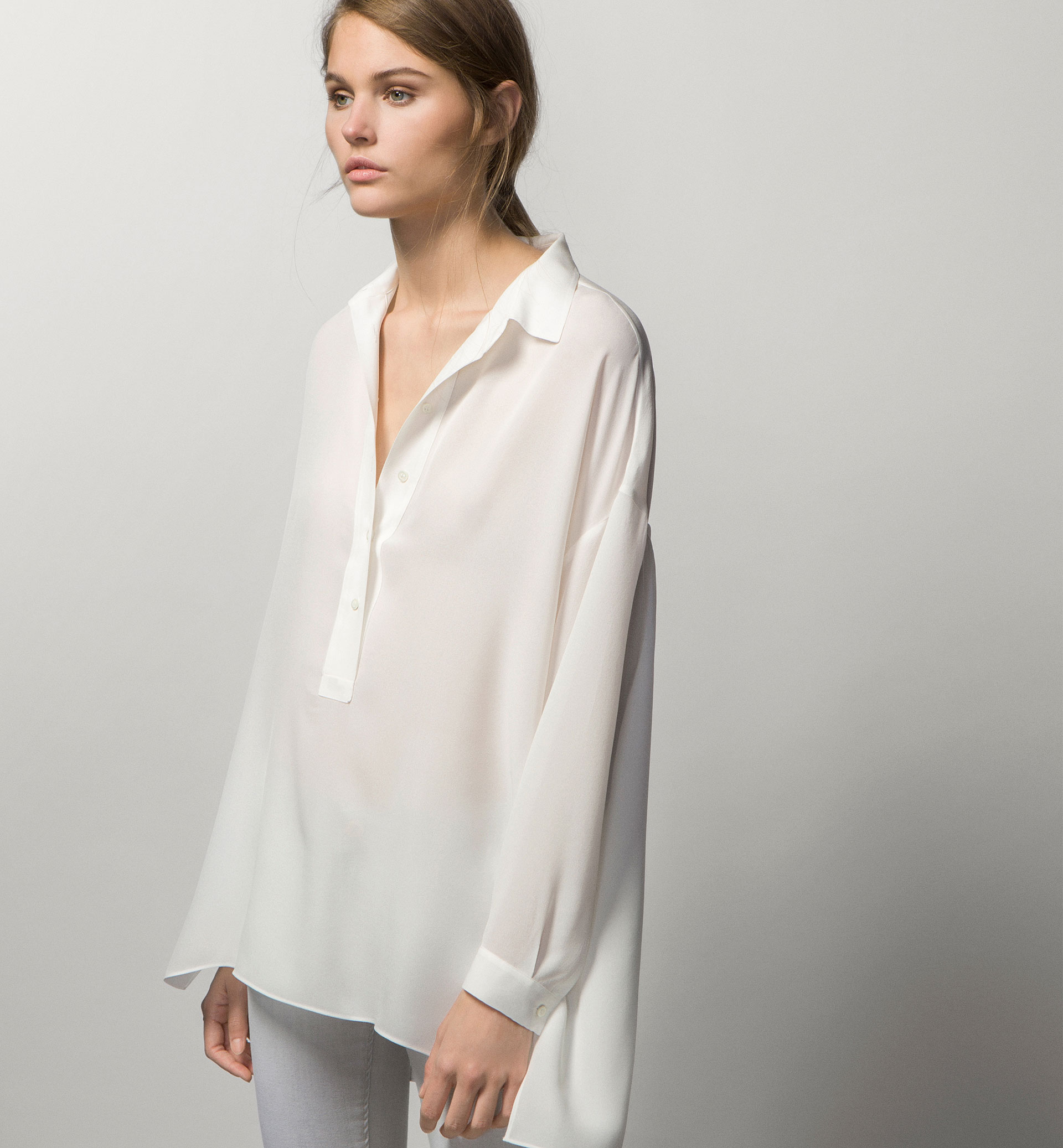 LARGE BLOUSE WITH BACK PLEATS