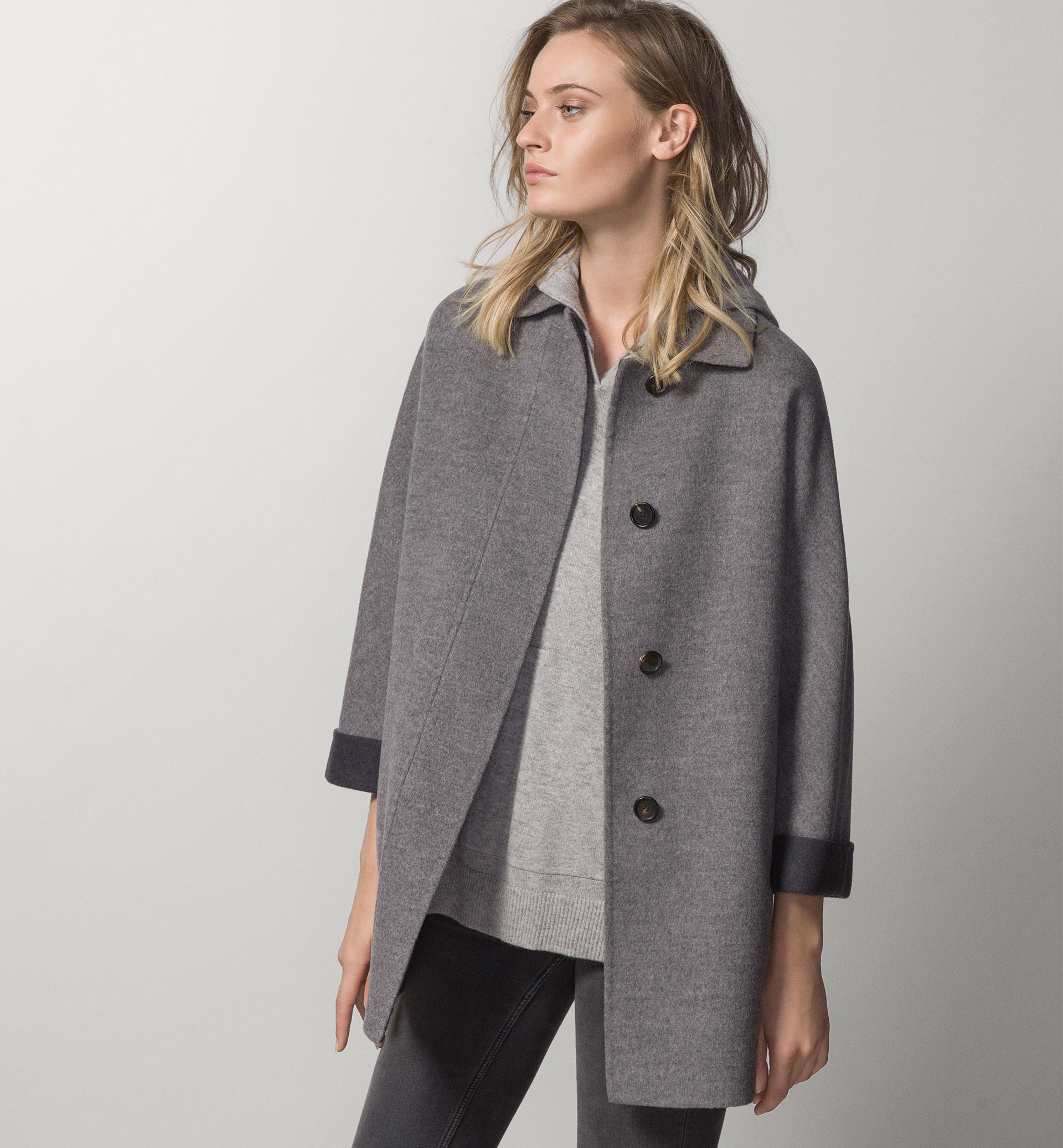 TWO-TONE COAT WITH KIMONO SLEEVES