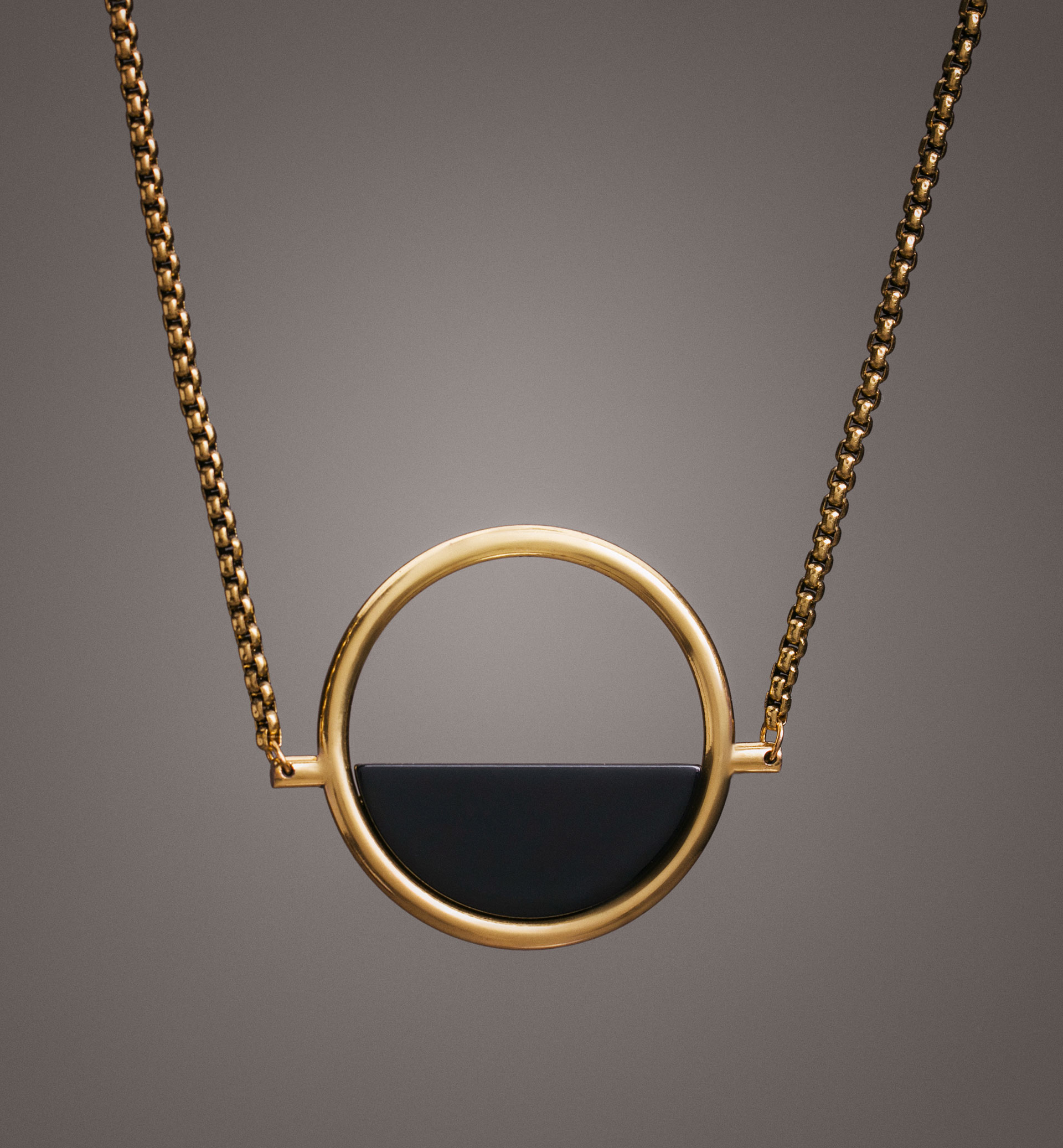 LIMITED EDITION CIRCULAR AND ENAMEL DETAIL NECKLACE