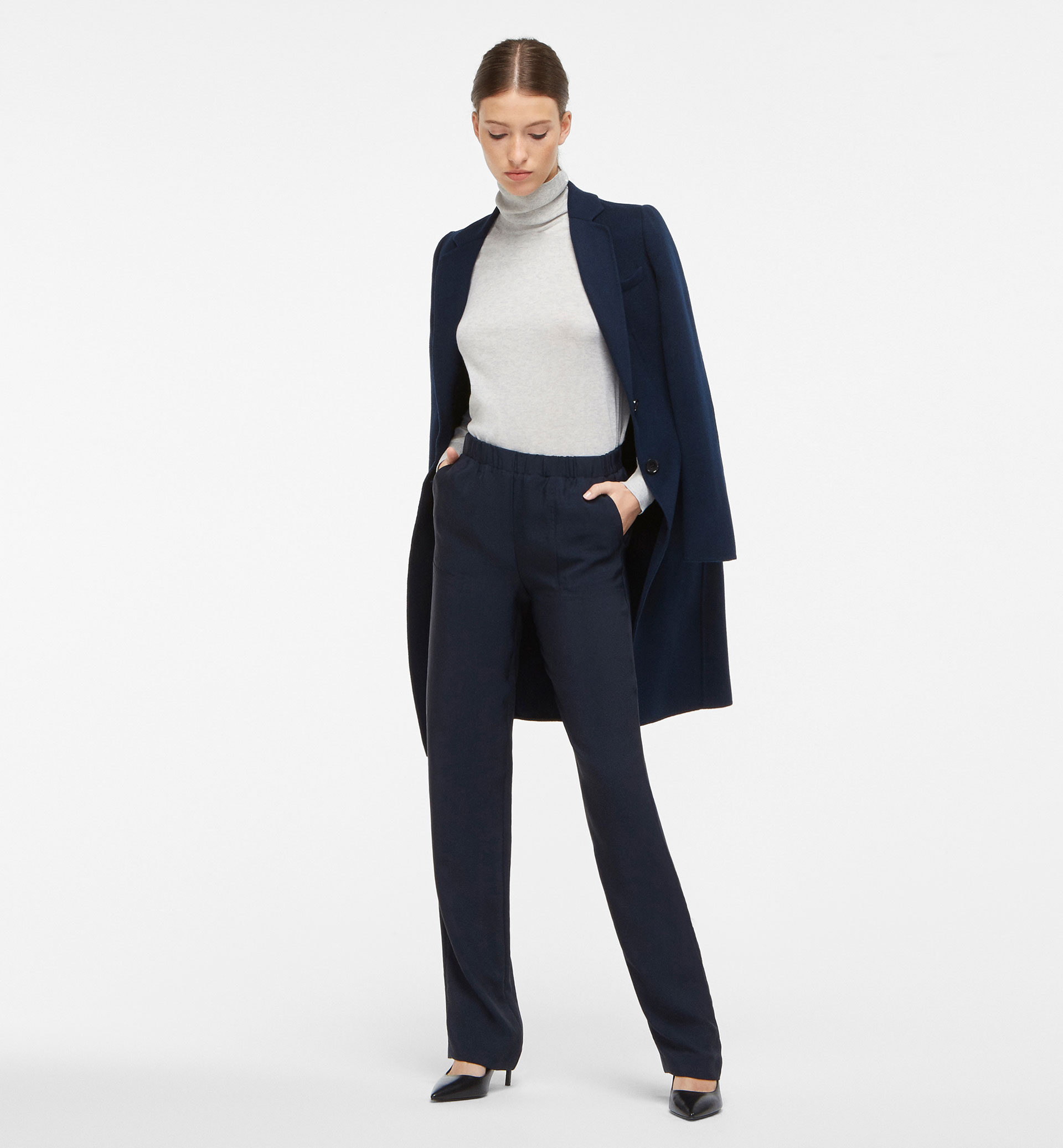 NAVY FLOWING TROUSERS