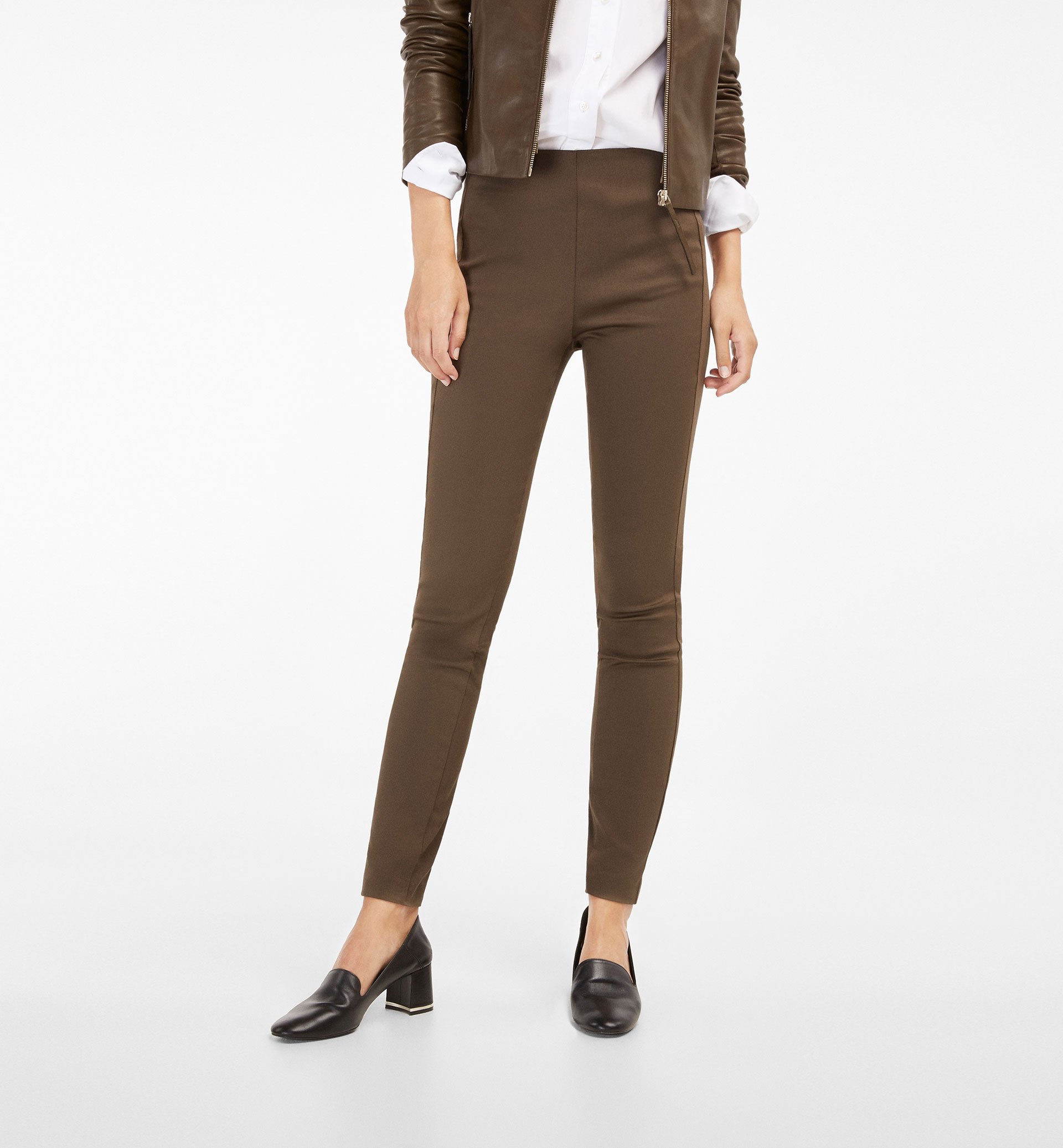 LEGGING-STYLE TROUSERS WITH A SIDE SEAM DETAIL
