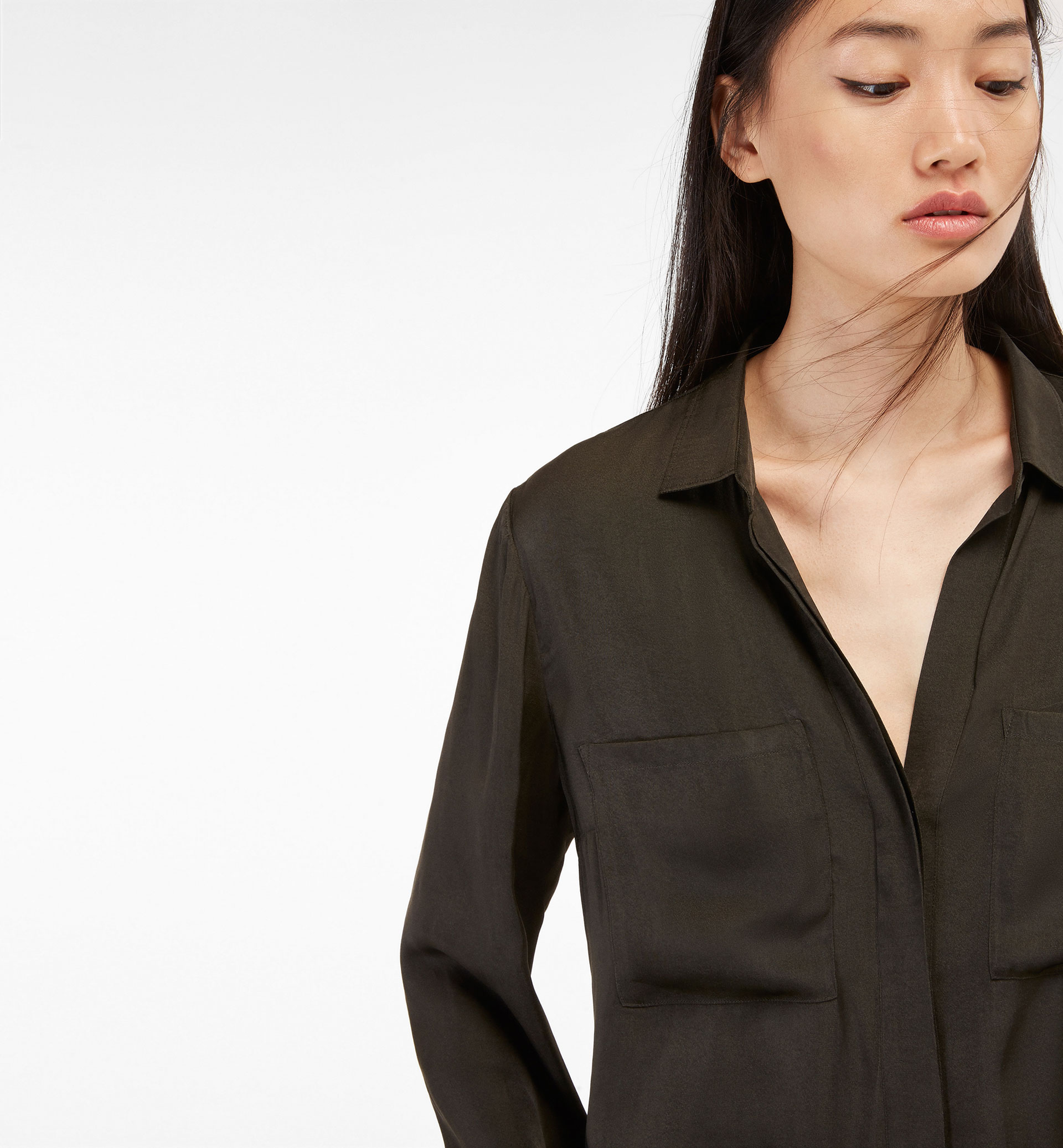LOOSE SHIRT WITH POCKET DETAIL