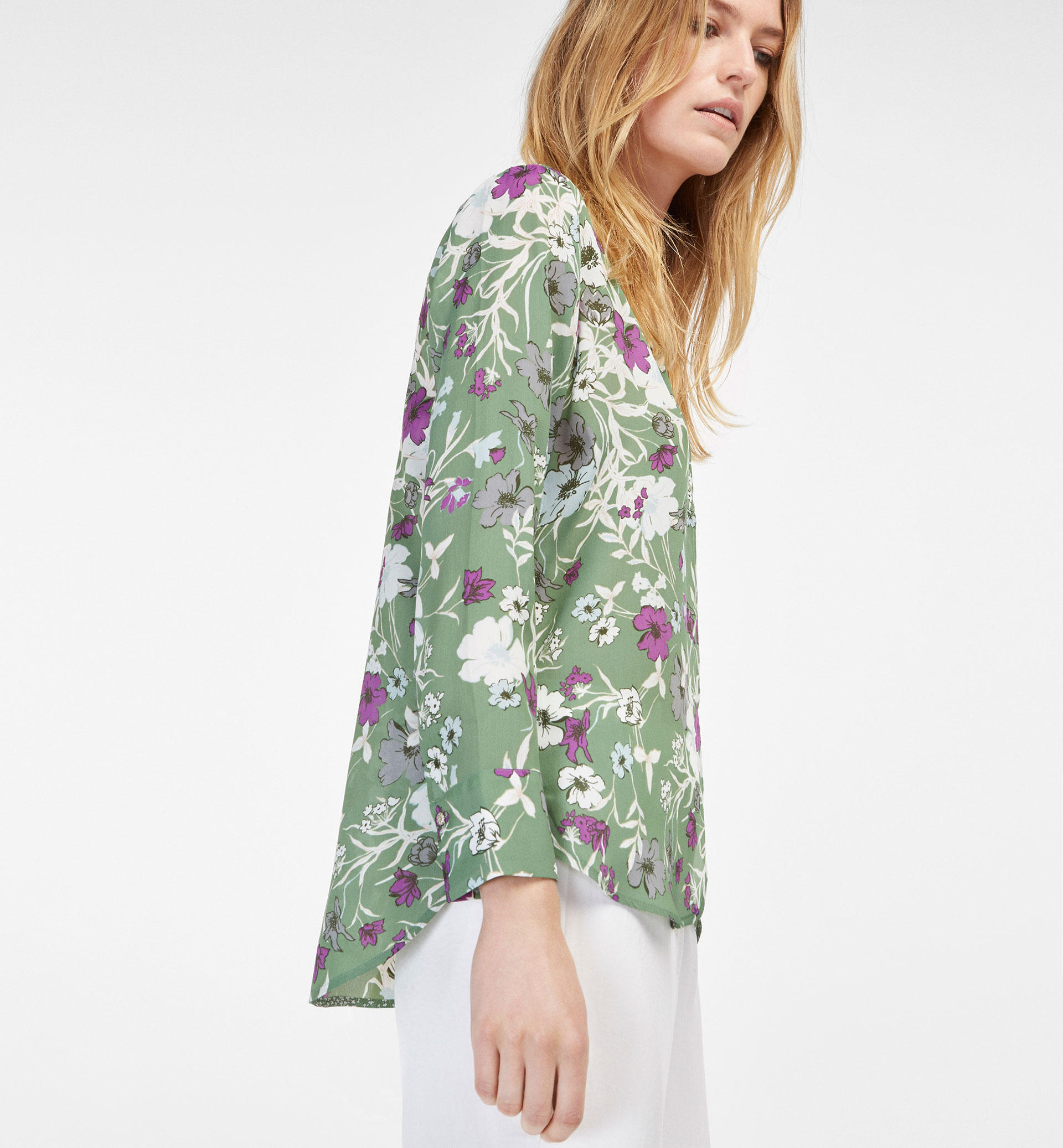 SILK SHIRT WITH PRINT AND SLIT DETAIL